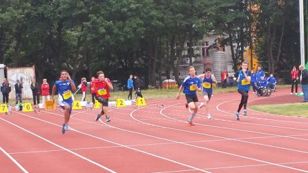 Start 100m (Leon Ombede ganz links)